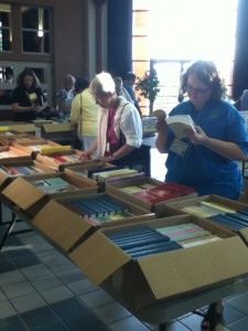 GRIP students browsing Maia's Books at La Roche College.